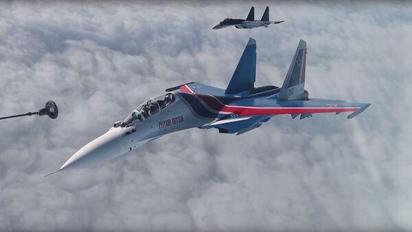 tiếp nhiên liệu trên không cho Các hiệp sĩ Nga - Sputnik Việt Nam
