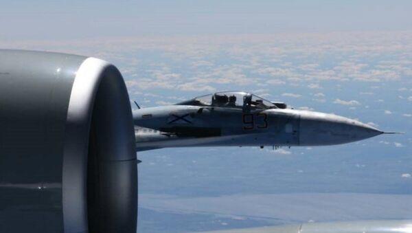 Su-27 chặn EP-3 - Sputnik Việt Nam