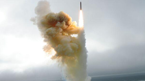 Пуск американской ракеты шахтного базирования системы Ground-based Midcourse Defense - Sputnik Việt Nam
