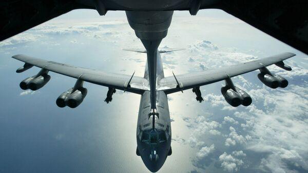 Máy bay ném bom chiến lược B-52 của Mỹ - Sputnik Việt Nam