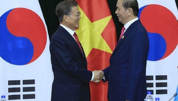 Chủ tịch nước Trần Đại Quang gặp Tổng thống Hàn Quốc Moon Jae-in - Sputnik Việt Nam