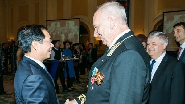 Đại sứ quán Nga tổ chức chiêu đãi nhân Ngày truyền thống ngành Ngoại giao Nga - Sputnik Việt Nam