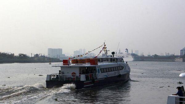 Tàu cao tốc đi vào hoạt động sáng nay - Sputnik Việt Nam