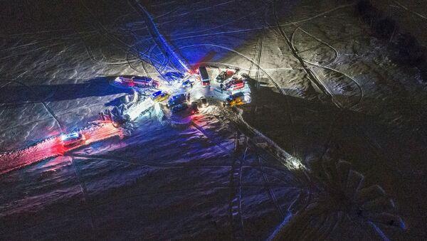 Những người cứu hộ tại nơi máy bay An-148 Hãng hàng không Saratov Airlines rơi ở ngoại ô Moskva - Sputnik Việt Nam