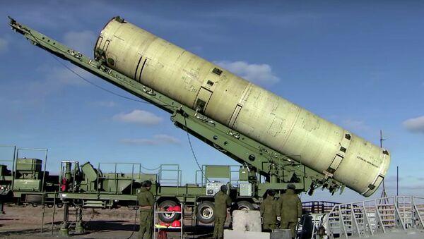 Nga thử nghiệm thành công mẫu tên lửa mới trên thao trường Kazakhstan Sary-Shagan. - Sputnik Việt Nam