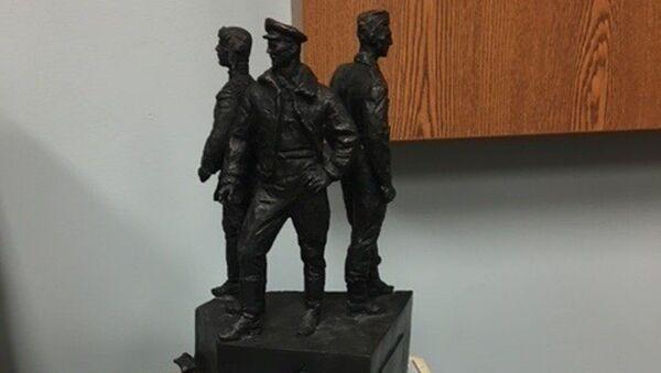 Макет памятника советским летчикам в США - Sputnik Việt Nam