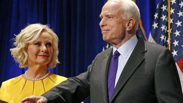 Cindy McCain - vợ của John McCain - Sputnik Việt Nam