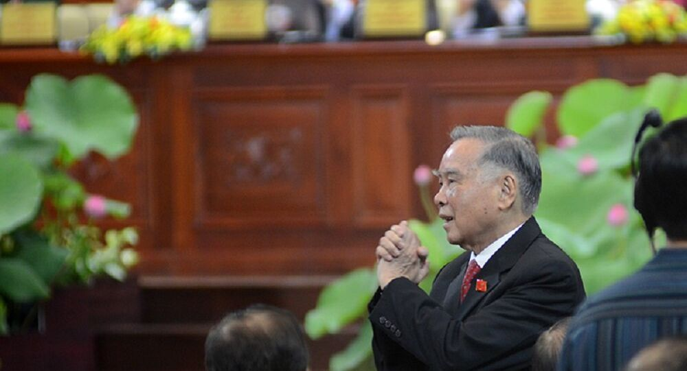 Nguyên Thủ tướng Phan Văn Khải chào Đại hội