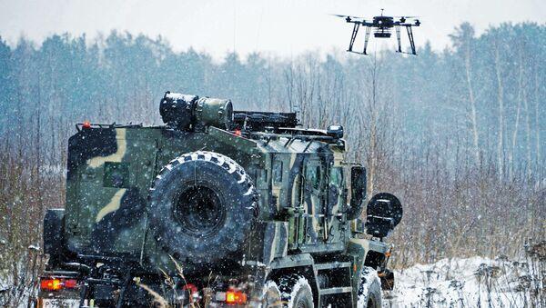 Xe bọc thép Patrol và UAV Strekoza thử nghiệm công nghệ vũ khí kỹ thuật tiên tiến của Nga - Sputnik Việt Nam
