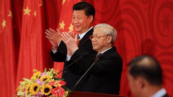 Chủ tịch Trung Quốc Tập Cận Bình và Tổng Bí thư Đảng Cộng sản Việt Nam Nguyễn Phú Trọng tại cuộc họp tại Hà Nội - Sputnik Việt Nam