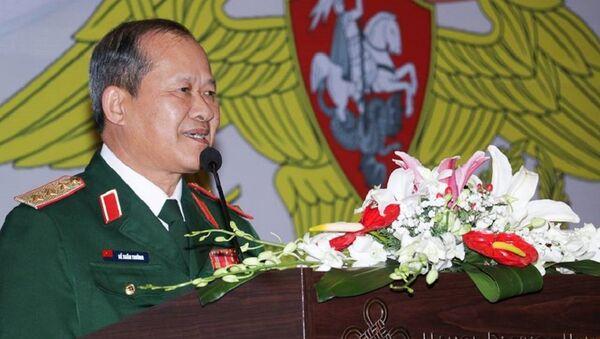 Buổi chiêu đãi trọng thể nhân dịp kỷ niệm Ngày Người bảo vệ Tổ quốc và 100 năm thành lập Hồng Quân được Cơ quan Tùy viên Quốc phòng bên cạnh Đại sứ quán Nga tại Việt Nam tổ chức. - Sputnik Việt Nam