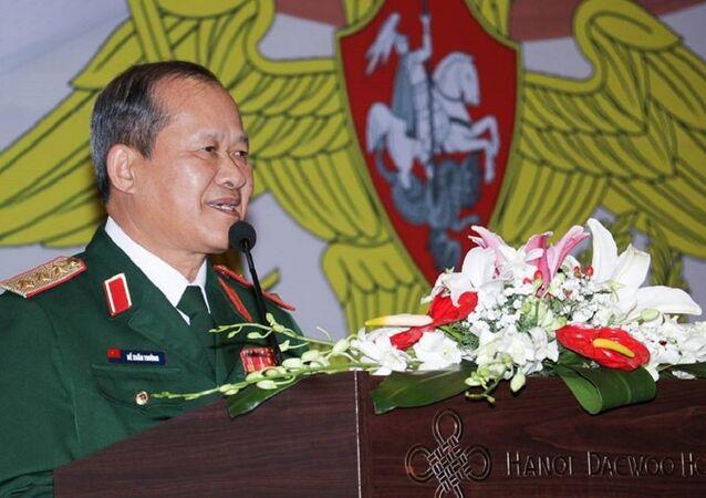 Buổi chiêu đãi trọng thể nhân dịp kỷ niệm Ngày Người bảo vệ Tổ quốc và 100 năm thành lập Hồng Quân được Cơ quan Tùy viên Quốc phòng bên cạnh Đại sứ quán Nga tại Việt Nam tổ chức.