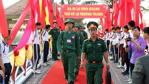 Thanh niên tỉnh Hậu Giang lên đường bảo vệ Tổ quốc ngày 3-3-2018. - Sputnik Việt Nam