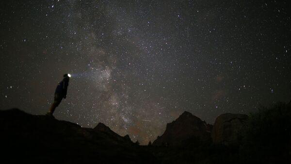 Thiên thạch sáng chói trên bầu trời - Sputnik Việt Nam