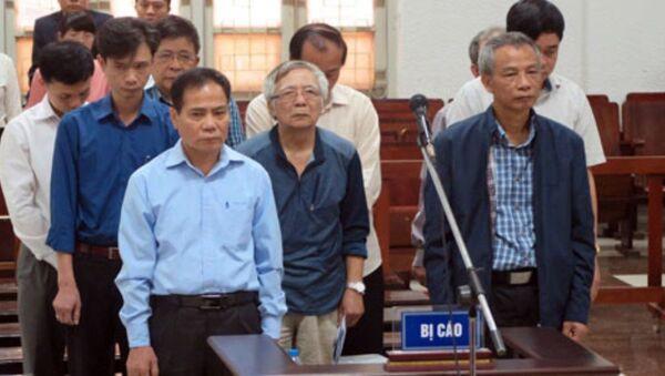 Các bị cáo tại tòa - Sputnik Việt Nam