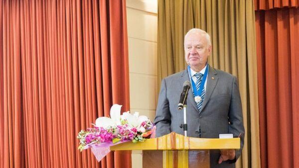 Đại sứ Nga tại Việt Nam Konstantin Vnukov phát biểu tại buổi lễ.  - Sputnik Việt Nam
