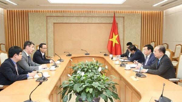 Phó Thủ tướng Vương Đình Huệ tiếp Giáo sư Andreas Hauskrecht của Trường Kinh doanh Kelley, Đại học Indiana (Hoa Kỳ) - Sputnik Việt Nam