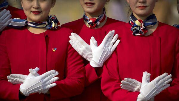 Các nữ tiếp viên tại lễ khai mạc Đại hội đại biểu nhân dân toàn Trung quốc tại Bắc Kinh - Sputnik Việt Nam