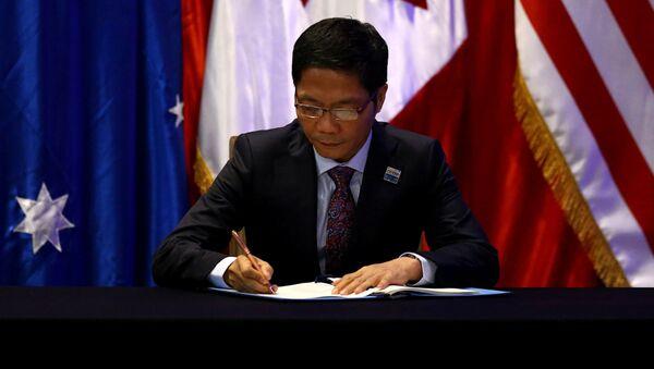Bộ trưởng Thương mại và Công nghiệp Việt Nam Trần Tuấn Anh trong chuyến thăm Santiago, Chile - Sputnik Việt Nam