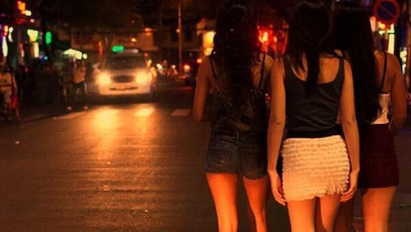 Gái mại dâm đứng đường ở Việt Nam - Sputnik Việt Nam