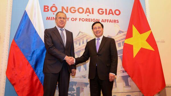 Bộ trưởng Ngoại giao Phạm Bình Minh hội đàm với người đồng cấp Nga Sergei Lavrov. - Sputnik Việt Nam