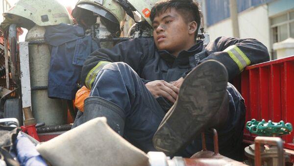 Chiến sĩ PCCC vụ cháy chung cư làm 13 người chết - Sputnik Việt Nam