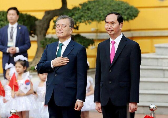 Tổng thống Hàn Quốc Moon Jae In và Chủ tịch nước Trần Đại Quang