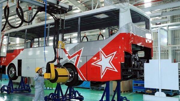Dây chuyền lắp ráp xe ôtô Nhà máy Thaco Mazda của Công ty Cổ phần ôtô Trường Hải. - Sputnik Việt Nam