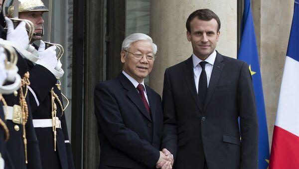 Tổng Bí thư Nguyễn Phú Trọng hội đàm với Tổng thống Emmanuel Macron - Sputnik Việt Nam