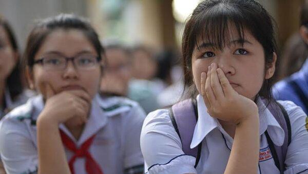 Học sinh giỏi cấp thành phố, học sinh đạt giải các cuộc thi sẽ không được cộng điểm vào lớp 10 - Sputnik Việt Nam