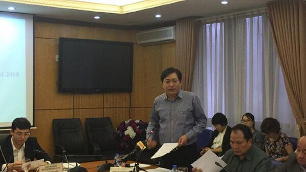 Phó Tổng cục trưởng Tổng Cục thi hành án dân sự Nguyễn Văn Sơn trả lời câu hỏi của phóng viên - Sputnik Việt Nam