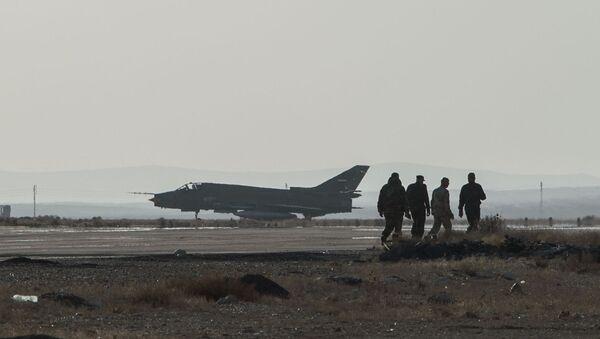 Căn cứ không quân Syria tại Homs - Sputnik Việt Nam