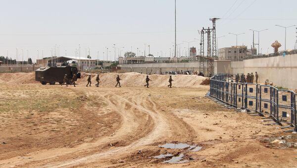 Các quân nhân trên biên giới Syria-Thổ Nhĩ Kỳ - Sputnik Việt Nam