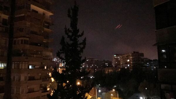 Anti-aircraft fire is seen over Damascus,Syria early April 14, 2018 - Sputnik Việt Nam