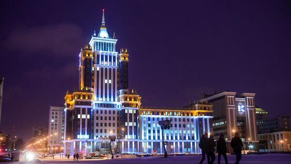 Đại học Mordovia mang tên Ogarev trên Quảng trường Thiên niên kỷ ở Saransk - Sputnik Việt Nam