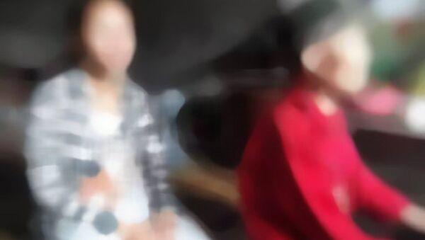 Con của nữ sinh lớp 8 không có quan hệ huyết thông với người bị tố cáo - Sputnik Việt Nam