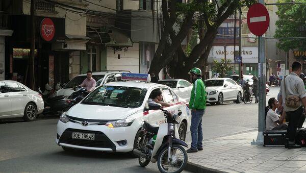 Taxi và Grabbike tại Hà Nội  - Sputnik Việt Nam