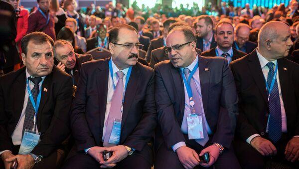 Đoàn đại biểu Syria, đứng đầu là Bộ trưởng Bộ Kinh tế và Ngoại thương Samer Al-Khalil - Sputnik Việt Nam