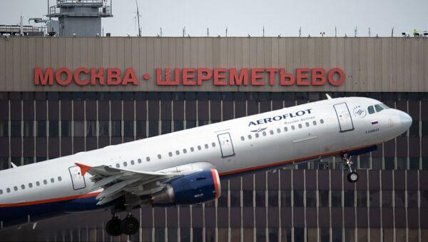 Máy bay Airbus A321 hãng Aeroflot cất cánh tại sân bay quốc tế Sheremetyevo - Sputnik Việt Nam