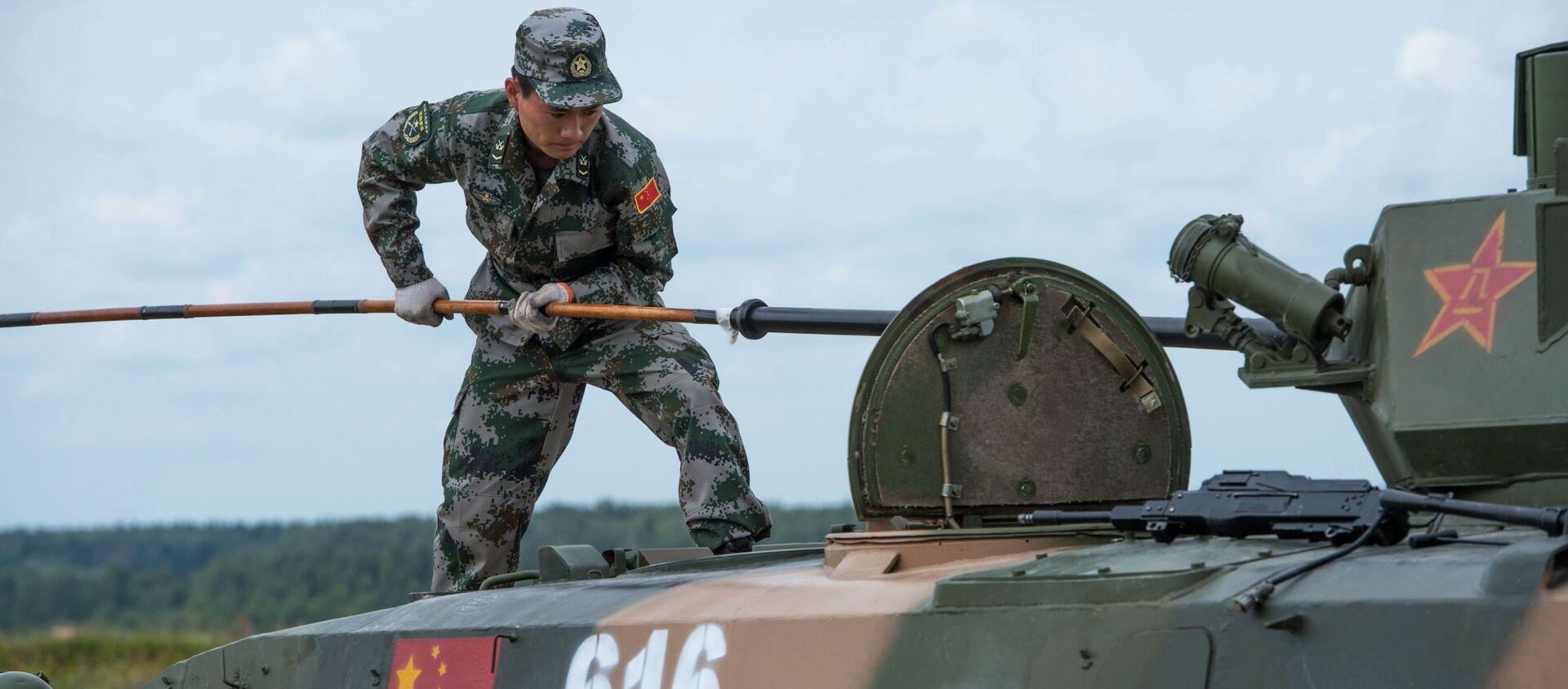 Trung Quốc đưa 158 đơn vị thiết bị đến Alabino. - Sputnik Việt Nam, 1920, 08.03.2021