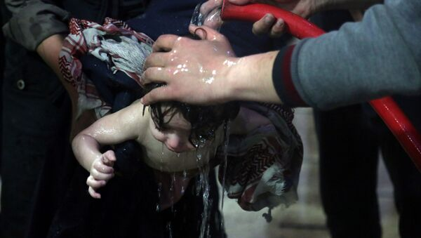 """cậu bé được cho là nhân chứng """"tấn công hóa học trong bệnh viện thành phố Douma - Sputnik Việt Nam"""