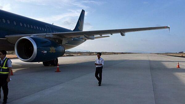 Máy bay chở hơn 200 hành khách đáp nhầm đường băng tại sân bay Cam Ranh. - Sputnik Việt Nam