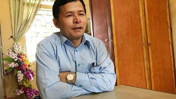 Ông Bạch Công Tiến, Chủ tịch huyện Ba Vì cho hay đang kiểm tra, làm rõ thông tin trang trại xây trên đất nông lâm trường của Thứ trưởng Bộ Tài nguyên môi trường Trần Quý Kiên - Sputnik Việt Nam