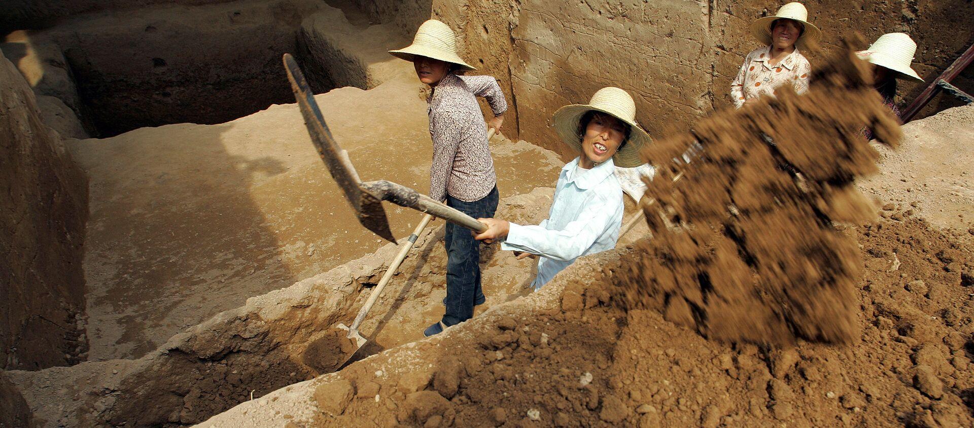 Các nhà khảo cổ Trung Quốc  - Sputnik Việt Nam, 1920, 24.03.2021