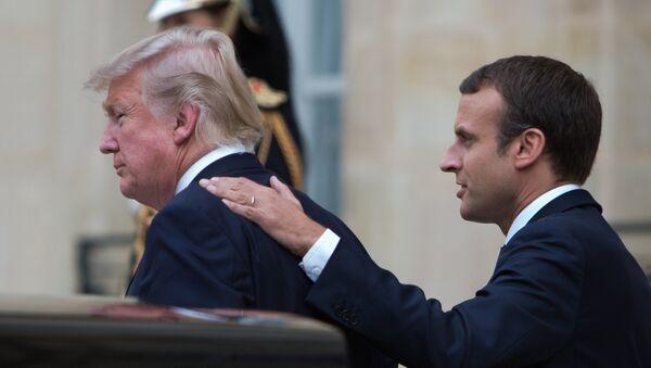 Emmanuel Macron và Donald Trump - Sputnik Việt Nam