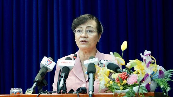 Bà Nguyễn Thị Quyết Tâm, Chủ tịch HĐND trả lời cử tri quận 2 - Sputnik Việt Nam