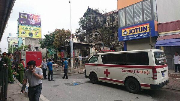 Xe cứu thương được đưa tới hiện trường. - Sputnik Việt Nam