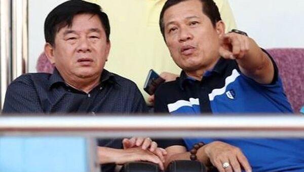 Phó ban Trọng tài VFF Dương Văn Hiền tự phân công mình làm giám sát trận đấu, bất chấp việc bị VPF từ chối. - Sputnik Việt Nam