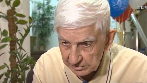 Tổng thống biết tôi. Cựu chiến binh nói về sự cố với nhân viên bảo vệ ông Putin (Video) - Sputnik Việt Nam