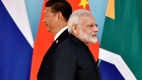 Chủ tịch Trung Quốc Tập Cận Bình và Thủ tướng Ấn Độ Narendra Modi - Sputnik Việt Nam
